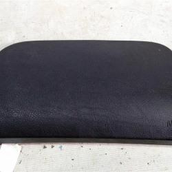 Крышка подушки безопасности в торпедо