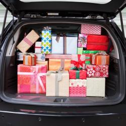 Скоро праздники, мы поможем подобрать подарок для Вас и Ваших близких